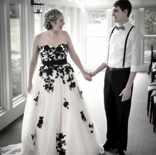 Wedding Dress, Latest Wedding Dress, Sweetheart Wedding Dress, Black Lace Wedding Dress, Tulle Wedding Dress, Bowknot Wedding Dress, Custom Made Wedding Dress, Lace-Up Wedding Dress, Court Train Bridal Gown